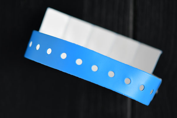 Vinyl wristband with printed logo